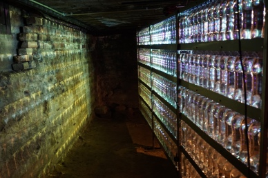 !WATER!2017 300 bottles / steelshelf / videoprojection / movement sensor